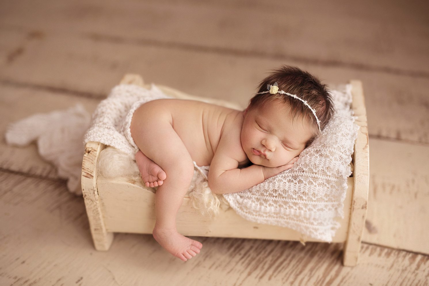 She will run a one day newborn posing workshop geared towards perfecting newborn posing expanding your knowledge on safe baby photography in props and on a